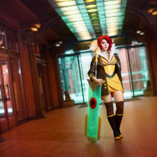 Un superbe cosplay de Red (Transistor)