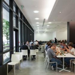 Le restaurant, pouvant accueillir 200 employés.