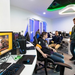 L'espace de Gaming eSport arena de Millenium