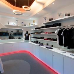 10151439-une-boutique-d-accessoires-entierement-modulable